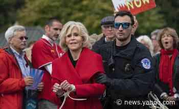 Jane Fonda criticizes Biden's climate policies, says he's failed to enact 'bold' strategies - Yahoo News
