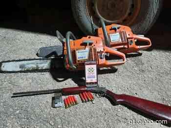 Arma e motosserras são apreendidas em área de desmatamento de Candeias do Jamari, RO - G1