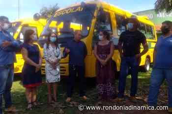 Itapuã e Candeias recebem ônibus escolares viabilizados pelo senador Confúcio Moura - Rondônia Dinâmica