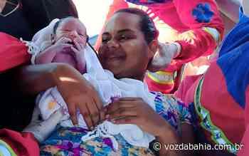 Candeias: Mulher dá à luz em carro em rodovia; socorristas de empresa que administra trecho da via realizaram parto - Voz da Bahia