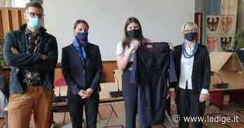 Le studentesse del Centro Moda Canossa realizzano le divise degli uscieri della Regione - l'Adige - Quotidiano indipendente del Trentino Alto Adige
