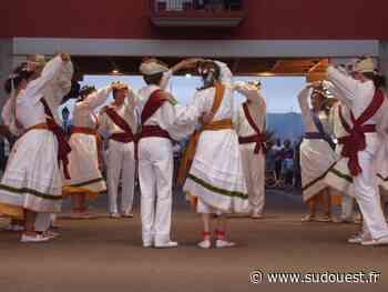 Hendaye : les danseurs d'Akelarre offrent un spectacle de fin d'année aux halles Gaztelu - Sud Ouest