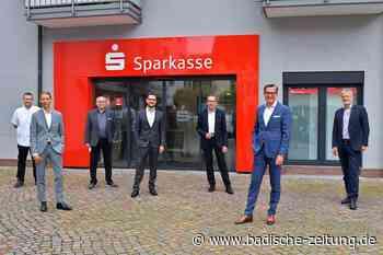 Die Sparkasse eröffnet ihre neue Filiale am Cornimont-Platz in Steinen - Steinen - Badische Zeitung