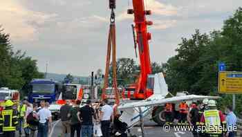Hessen: Zwei Tote bei Absturz von Leichtflugzeug - DER SPIEGEL