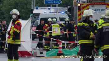Leichtflugzeug in Bäume gestürzt: Zwei Tote - Süddeutsche Zeitung