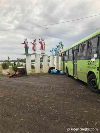 SUSTO EM CANOAS: ônibus da Sogal bate e destrói imagens de santuário da Praia do Paquetá - Agência GBC