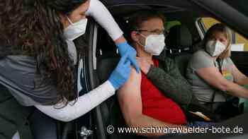 Plötzlich weniger Impfstoff - Zehntausende Klicks: Alle wollen Drive-In-Impftermin in Rottweil - Schwarzwälder Bote