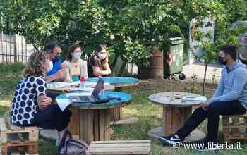 All'istituto Marcora di Castel San Giovanni gli esami si fanno in giardino - Libertà