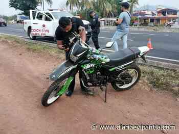 Pareja motociclista derrapa entre Catemaco y San Andrés Tuxtla. - Diario Eyipantla