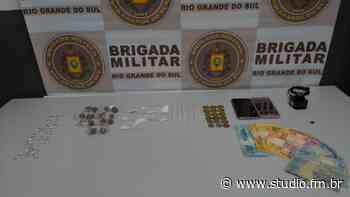 Brigada Militar de Flores da Cunha prende homem pelo crime de tráfico de droga - Rádio Studio 87.7 FM | Studio TV | Veranópolis
