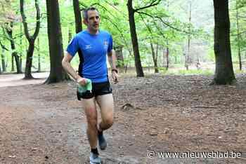 Jean-Michel Meyers ruimt al joggend zwerfvuil op - Het Nieuwsblad