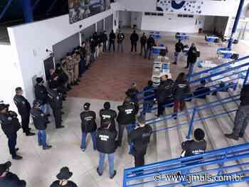 Polícia prende 12 em operação com dois mandados cumpridos em Canoinhas - JMais