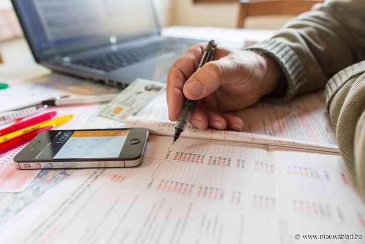 Vrijwilligers helpen bij invullen belastingsaangifte