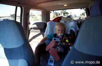Kleinkind in Auto eingesperrt: Polizei schlägt Scheibe ein - Hamburger Morgenpost