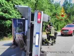 Carambola furgone/auto sulla SS 63 a Casoletta di Vezzano - Redacon