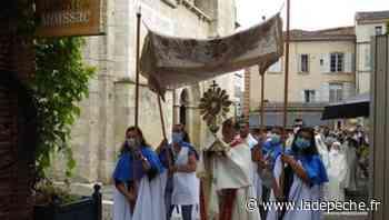 Les fidèles renouent avec la traditionnelle procession du Saint Sacrement à Moissac - ladepeche.fr