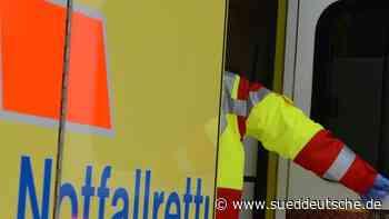 Beifahrerin bei Unfall lebensgefährlich verletzt - Süddeutsche Zeitung