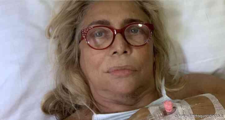 """Mara Venier disperata: """"La vita mi è cambiata in un attimo. Ho un nervo lesionato e una paresi totale"""""""