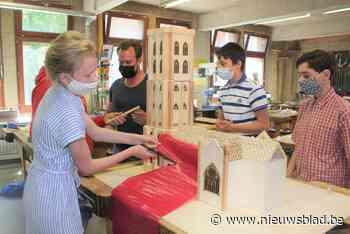 Leerlingen TSM bouwen houten miniatuurversie van Sint-Romboutstoren