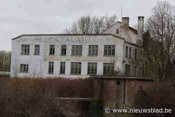 Krakers op oude Catala-site: burgemeester laat gebouw ontruimen en afsluiten