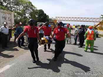 Se impacta motociclista contra camioneta en la Villahermosa-Macuspana - XeVT 104.1 FM   Telereportaje