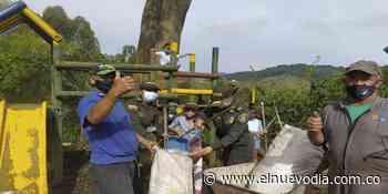 Con sancocho comunitario Policía del Tolima y habitantes de Villahermosa recuperaron parque infantil - El Nuevo Dia (Colombia)