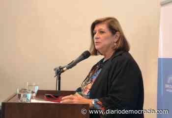 Charla virtual sobre los derechos vulnerados de las mujeres - Diario Democracia