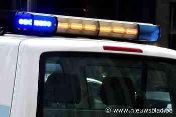 Geparkeerde auto aangereden, dader vlucht