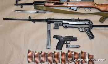 Ten guns seized in Innisfil search - simcoe.com