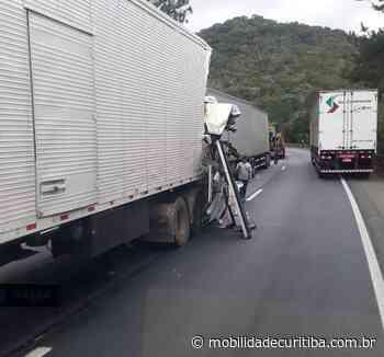 Colisão envolvendo carretas interdita BR-376 em Tijucas do Sul - Mobilidade Curitiba