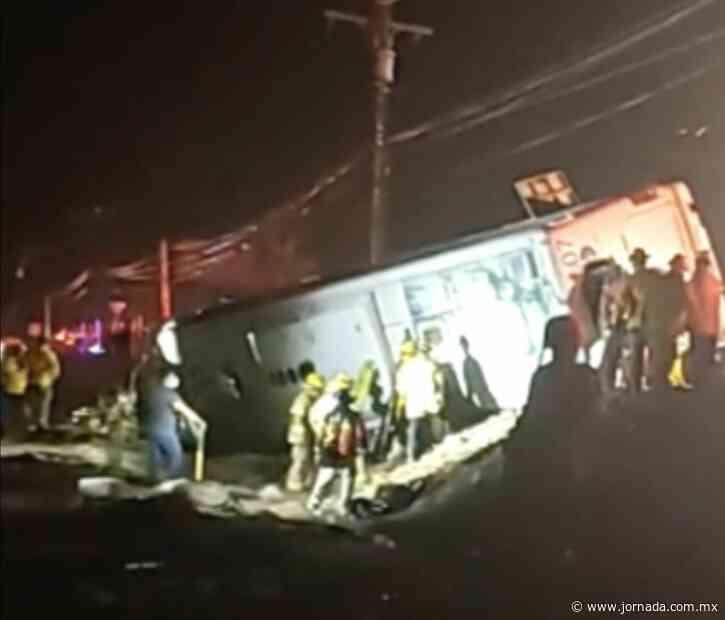 Vuelca autobús en Rosarito: hay 7 muertos y 34 heridos - La Jornada