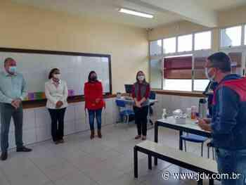 Schroeder abre polo de Atendimento Educacional Especializado em escola - Jornal do Vale do Itapocu