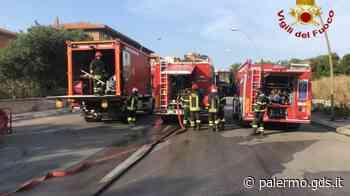 Palermo, furgone perde il carico di Gpl: pompieri in azione a Bonagia - Giornale di Sicilia