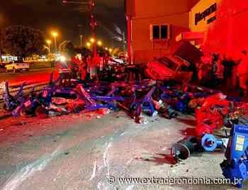 Acidente deixa carro parcialmente destruído em Vilhena – Extraderondonia.com.br - Extra de Rondônia