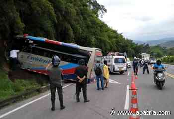 Cinco lesionados en accidente de buseta de Flota Occidental en Chinchiná - La Patria.com