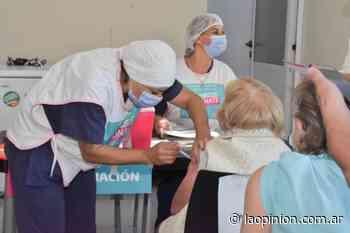 Trenque Lauquen entre los 52 municipios próximos a completar la vacunación en la población de riesgo - La Opinion