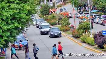 Villa la Angostura habilitó recibir turistas con la app Cuidar - Minuto Neuquen