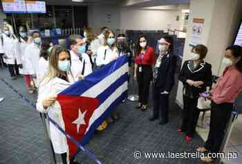 Autoridades extenderán por dos meses asistencia de 95 médicos cubanos en Panamá - La Estrella de Panamá