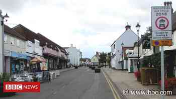 Thornbury: 'Divisive' high street changes approved - BBC News