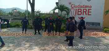 Policías de Cerro Azul, en norte de Veracruz, demandan aumento salarial - alcalorpolitico
