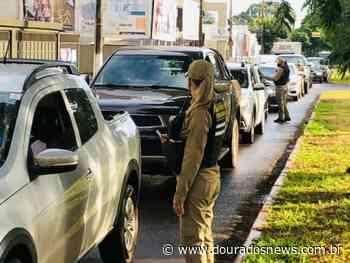 Quase 2 mil veículos são abordados durante 10 dias de lockdown - Dourados News