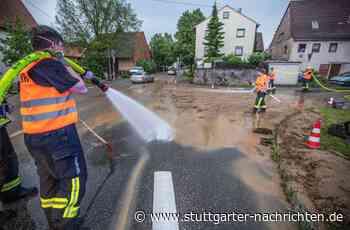 Feuerwehreinsatz in Tamm - Starkregen verwandelt Kreuzung in Schlammbad - Stuttgarter Nachrichten