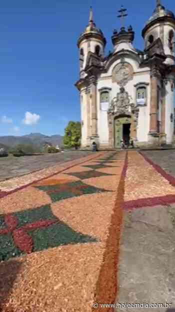 Igreja em Ouro Preto ganha decoração de tapete decorativo de serragem - Hoje em Dia