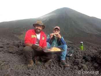 Pacaya Pizza de David García se cocina sobre un volcán - cronica.gt