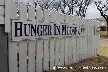 Vanier Collegiate projects lead to $500 donation to Hunger in Moose Jaw - moosejawtoday.com