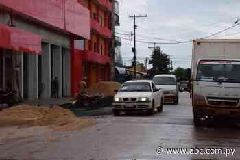 Comerciantes ocupan calles como depósito de materiales en San Juan Nepomuceno - Nacionales - ABC Color