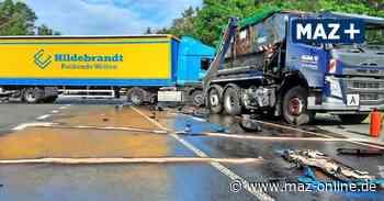 Unfall B 246 bei Beelitz: Zwei LKW fahren ineinander - Diesel ausgelaufen - Märkische Allgemeine Zeitung