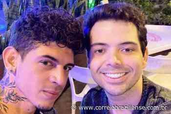 Gustavo Mendes posta foto com novo namorado e dispara: 'Recomeçar' - Correio Braziliense