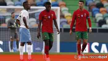 FIFA destaca dado incrível: Nuno Mendes tinha um ano quando CR7 se estreou a marcar pela Seleção - Record
