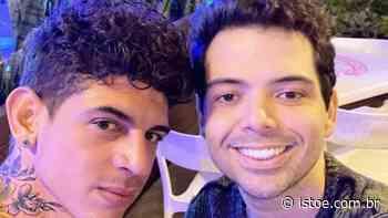 Gustavo Mendes, conhecido por imitar Dilma Rousseff, assume namoro com acupunturista - ISTOÉ